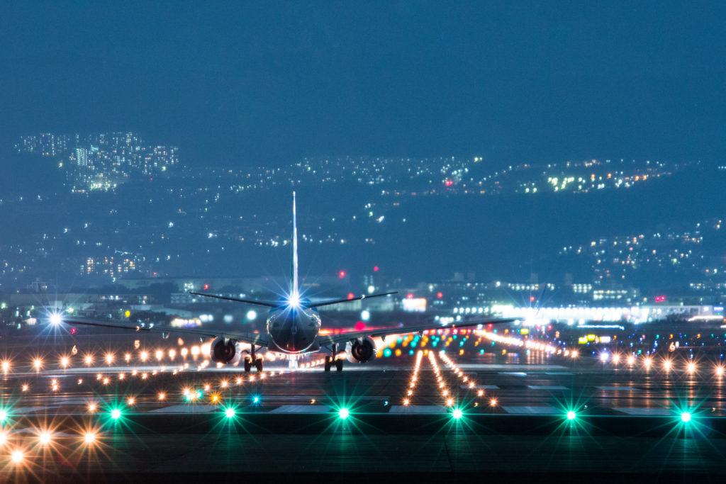 伊丹空港で離陸前の飛行機