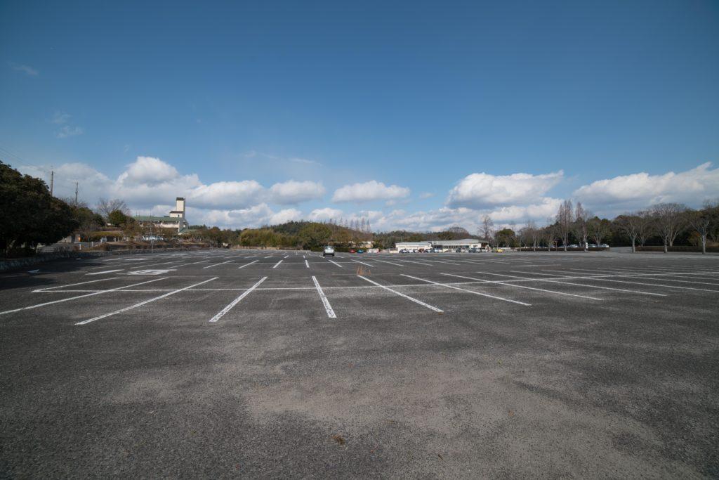 兵庫県立フラワーセンター駐車場