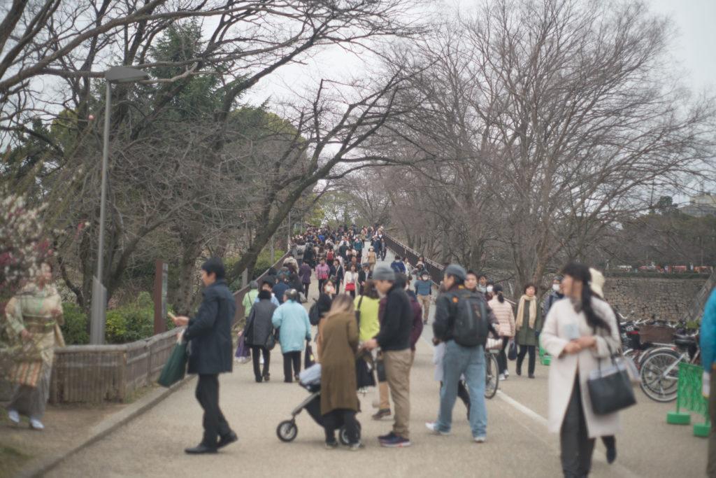 大阪城の混雑具合
