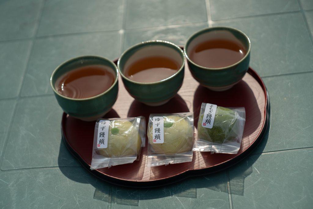 相楽園でお茶菓子
