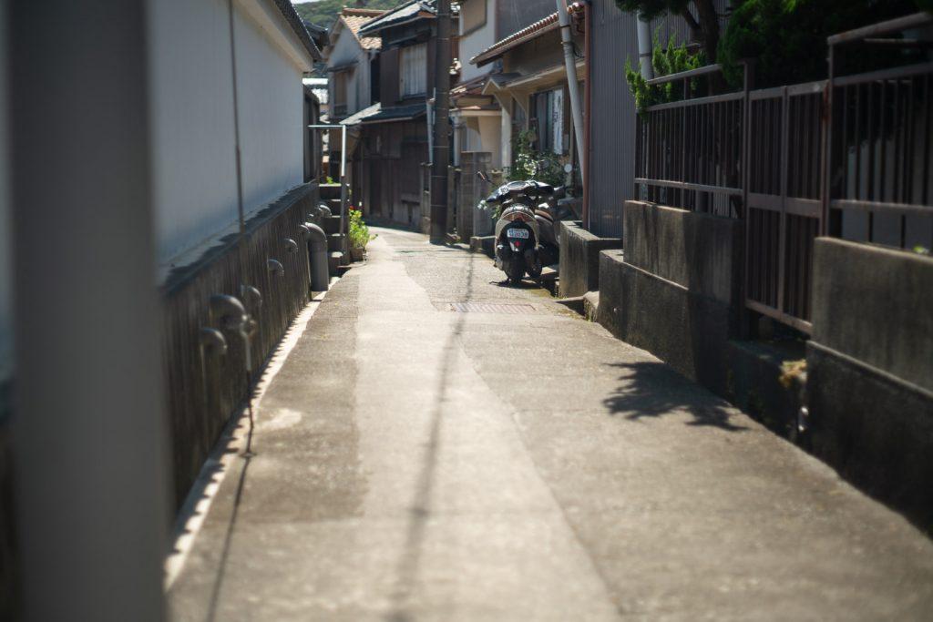 加太駅から加太港の道中