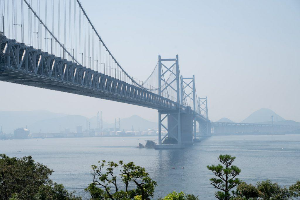 与島PA築山から瀬戸大橋