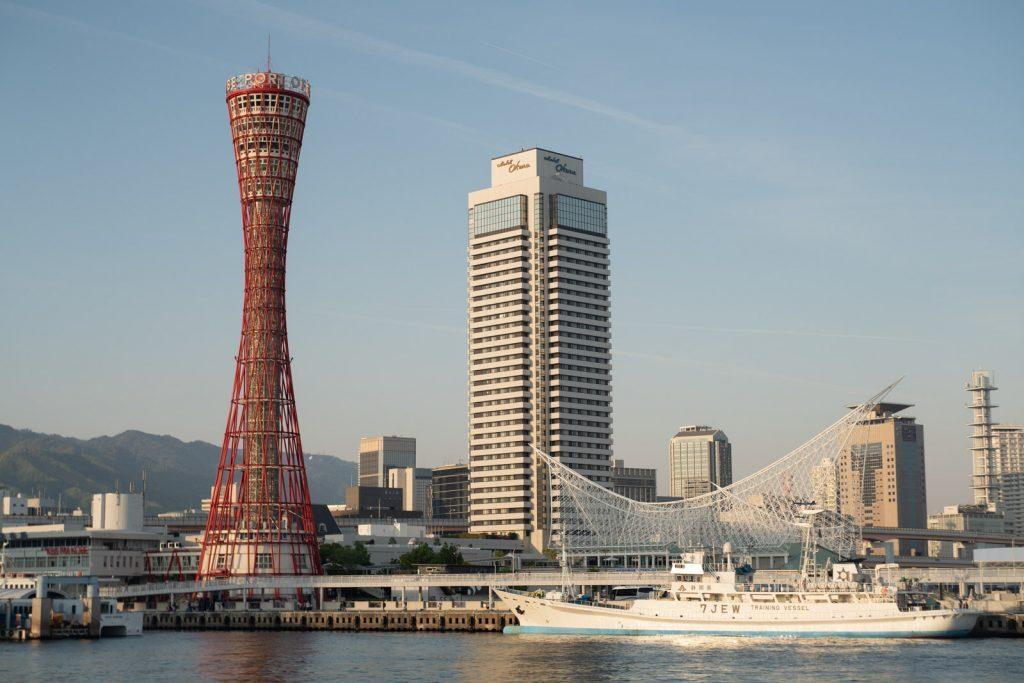 神戸ポートタワー側