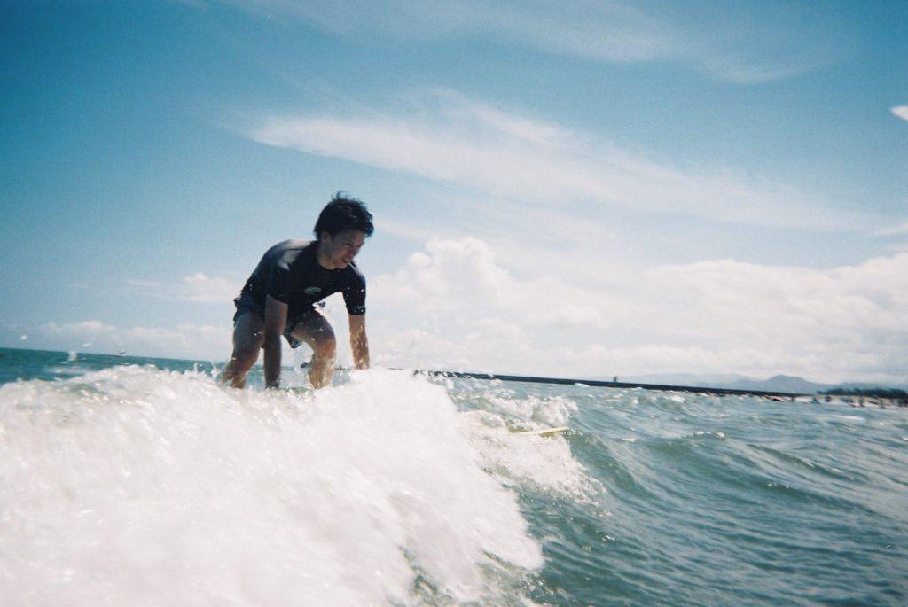 サーフィン男子
