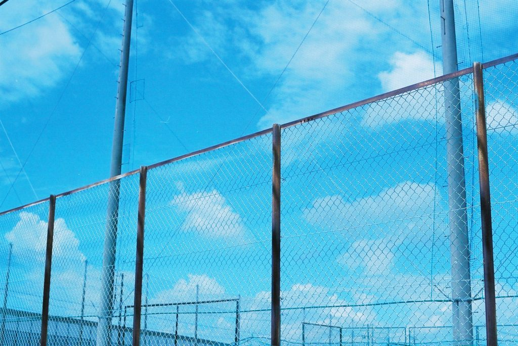 グラウンドのフェンス