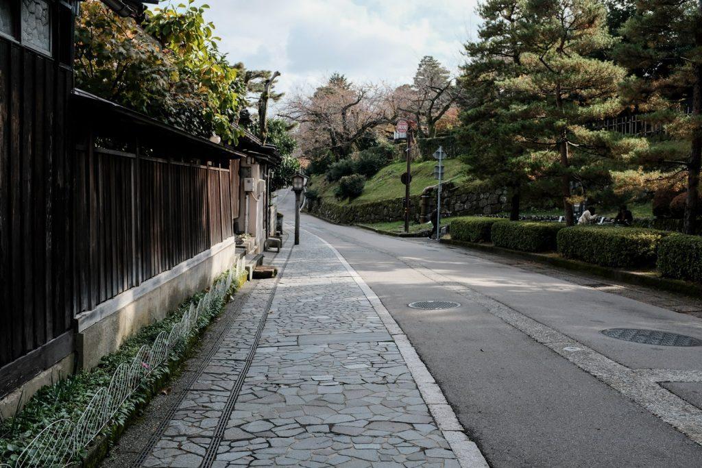 兼六園前の道