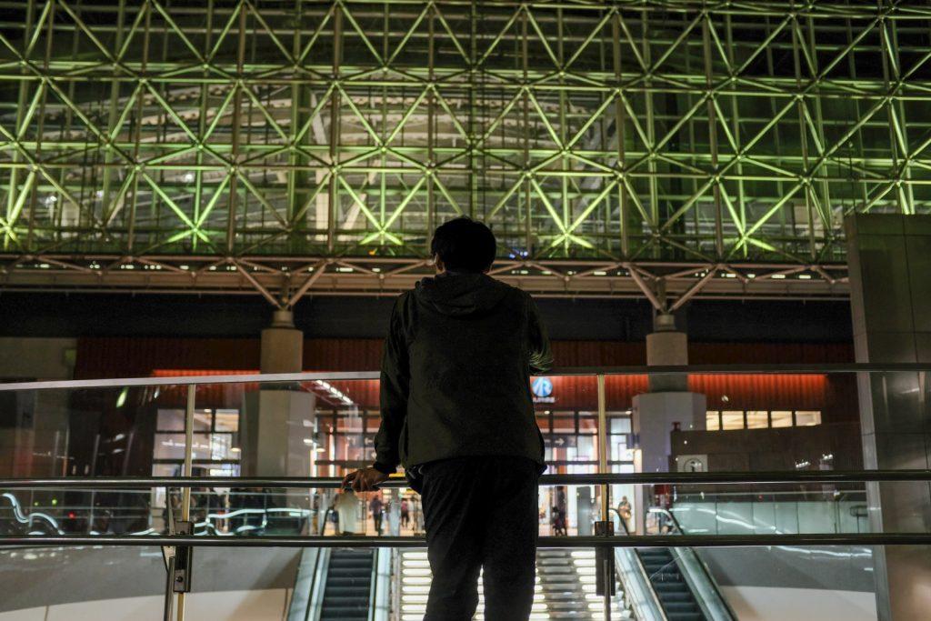 金沢駅と西嶋さん