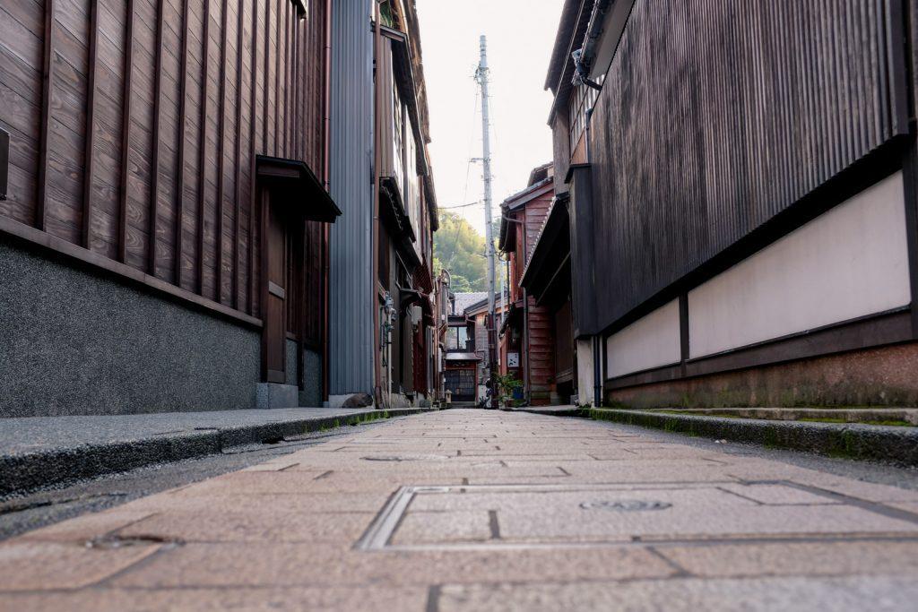 ひがし茶屋街の脇道