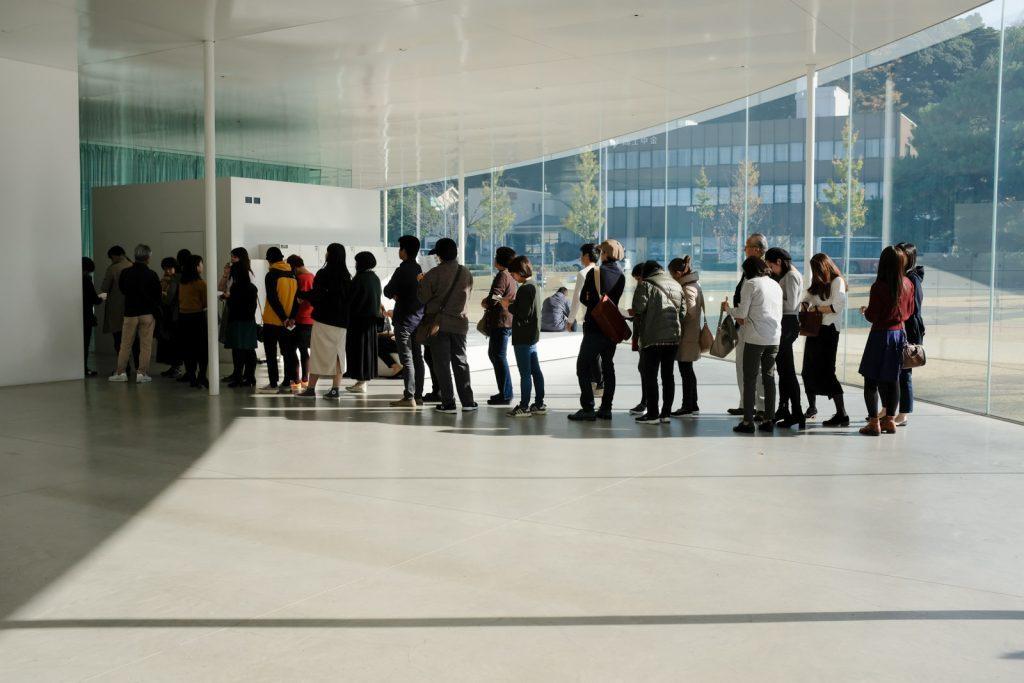 21世紀美術館の行列