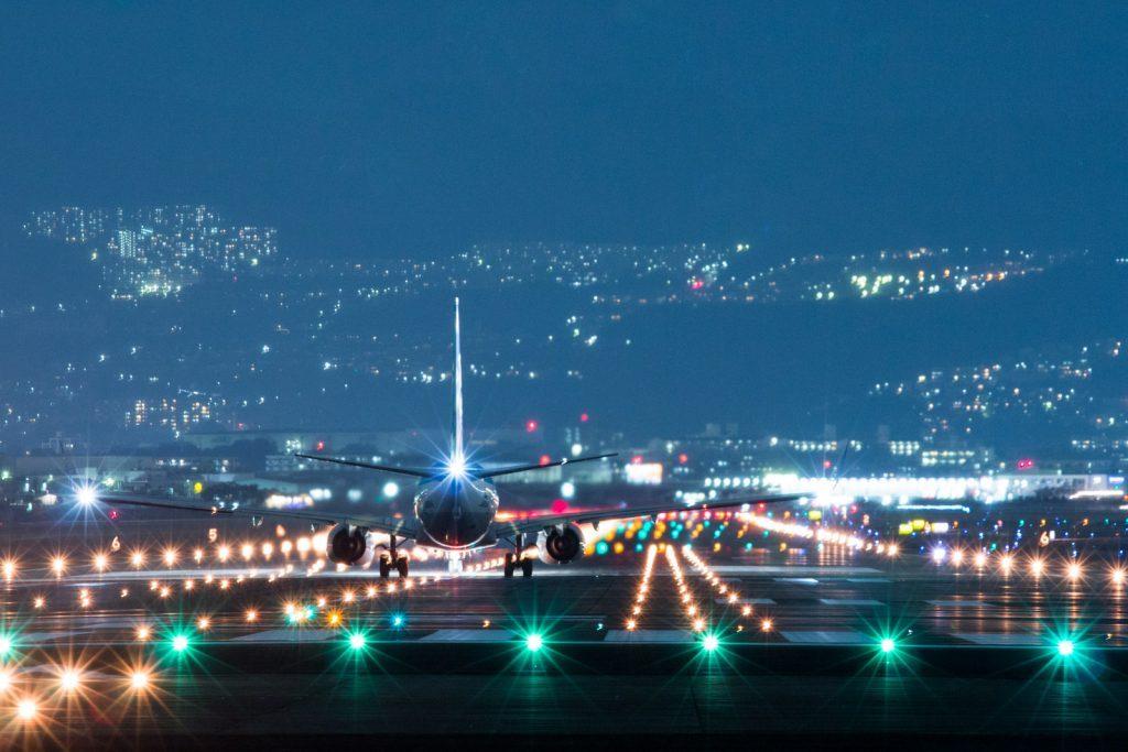 千里川からの伊丹空港