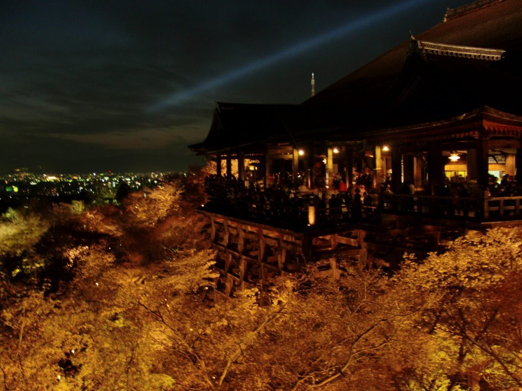 清水寺のライトアップ