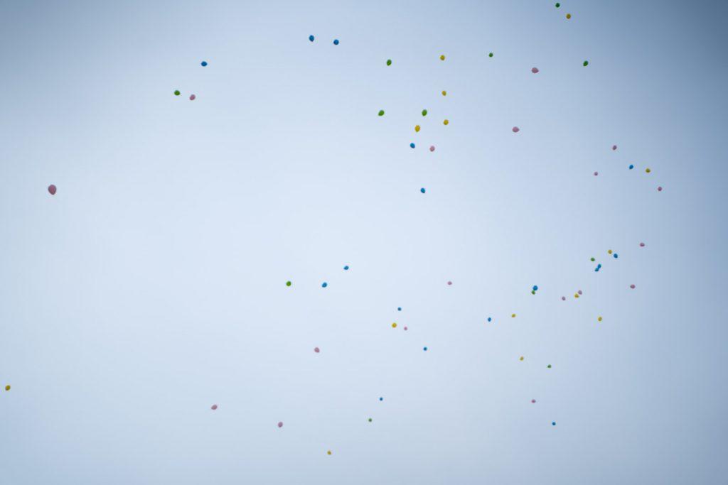 飛んでいく風船