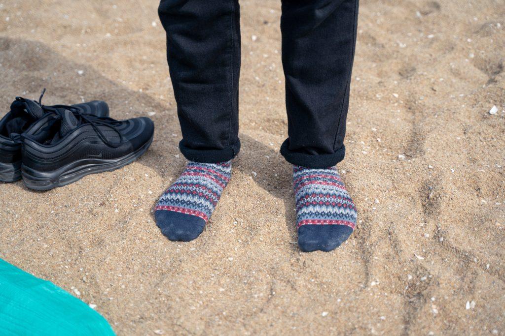 靴下とビーチ