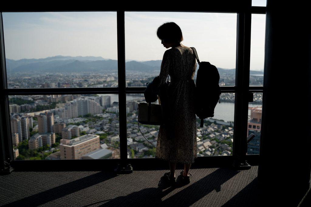 福岡タワーシルエット