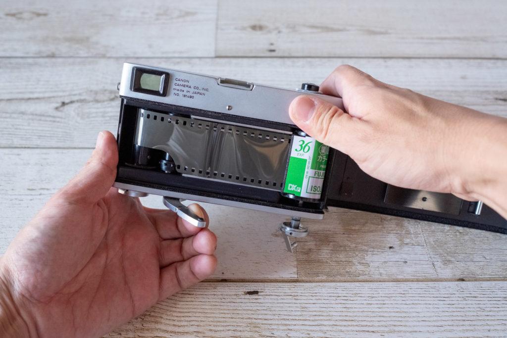 Canonet フィルム装填方法