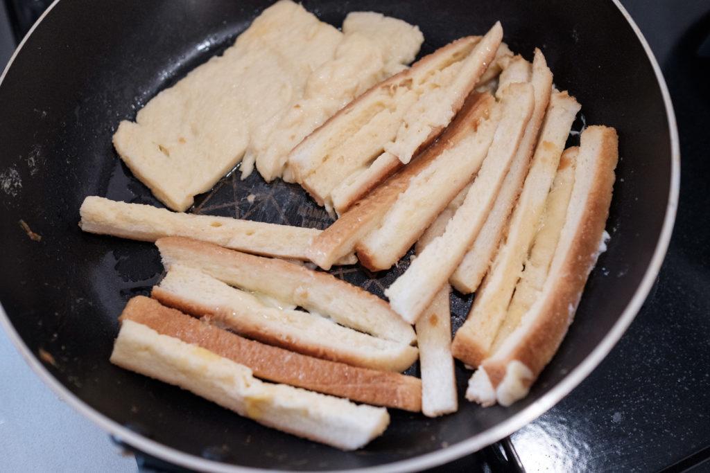 パンの耳フレンチトースト